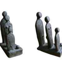 La Famille - Terre cuite patinée - (16 x 8 cm x H : 24 cm)
